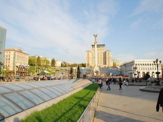 На Украине начинаются местные выборы и всенародный опрос