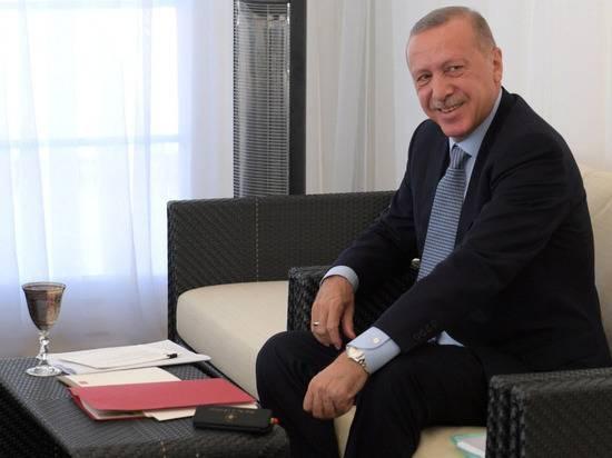 Боррель назвал заявления Эрдогана о Макроне неприемлемыми