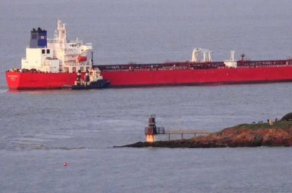 Военные задержали пассажиров, угрожавших экипажу танкера в Ла-Манше