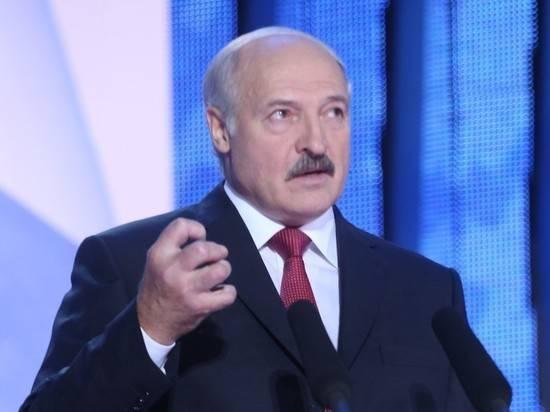 Лукашенко призвал отправить бастующих студентов в армию