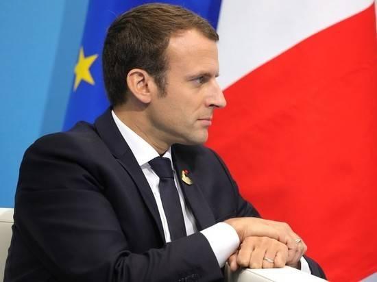 Макрон ввел во Франции мягкий карантин