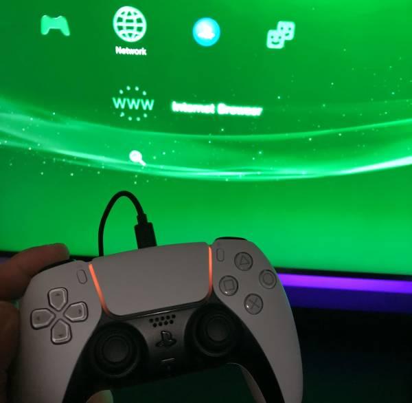 Связь поколений: Контроллер DualSense от PS5 оказался совместим с PlayStation 3