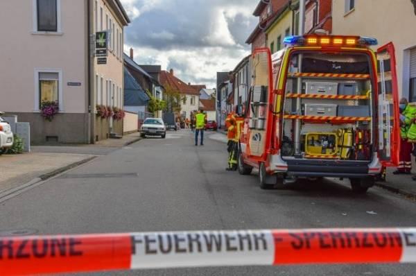 В Германии автомобиль въехал в группу пешеходов