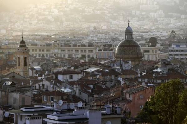 В Ницце закроют все храмы после нападения с ножом у церкви Нотр-Дам