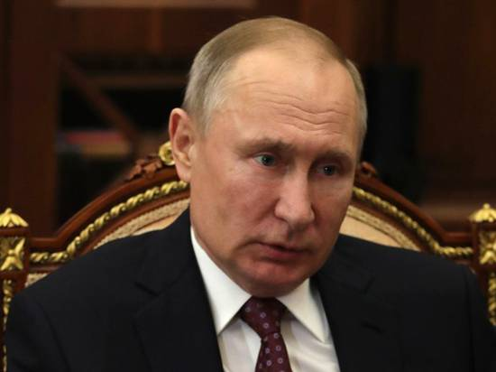 Жапаров позвонил Путину и обсудил ситуацию в Киргизии