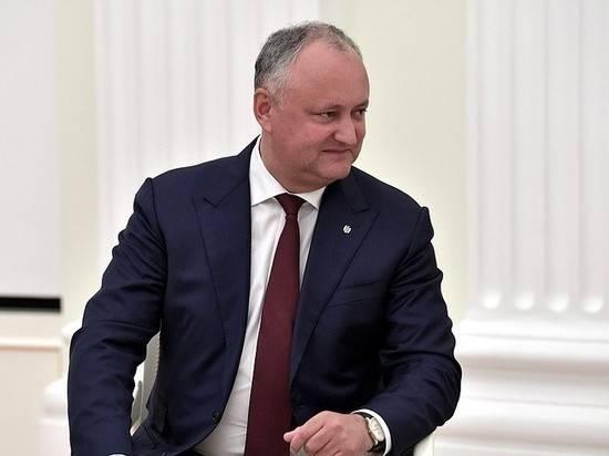 Додон отреагировал на желание Санду вывести миротворцев РФ