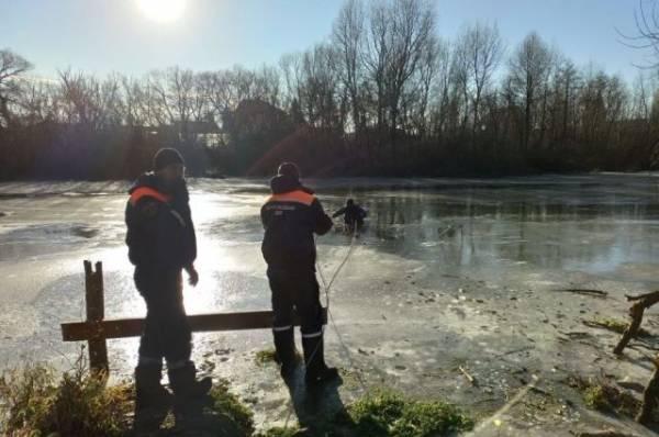 В Пензе двое детей во время прогулки провалились под лёд