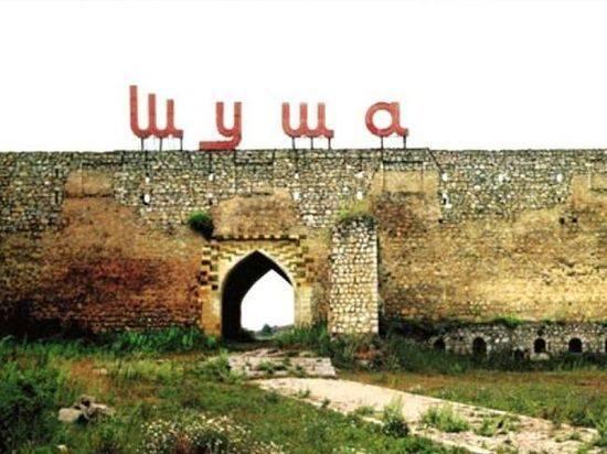 Жители Карабаха сжигают свои дома, Турция строит планы на Шушу