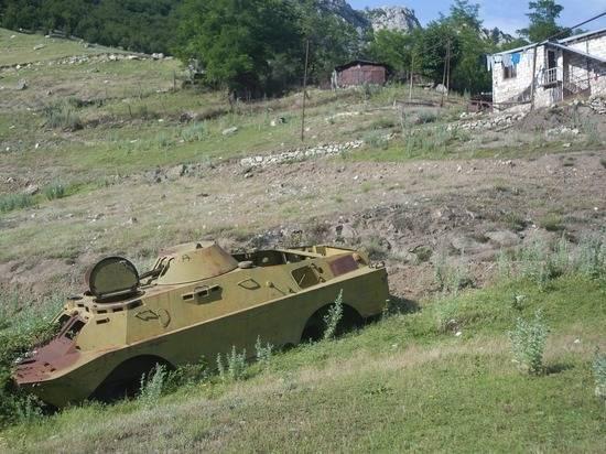Власти заявили о полном разрушении города Мартуни в Карабахе