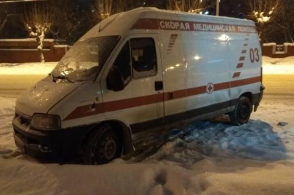 Житель Урала напал на врачей, прибывших к его зараженной коронавирусом жене