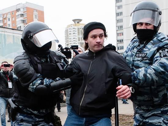 Депутаты предложили увеличить штрафы за неподчинение полицейскому: сидите лучше дома
