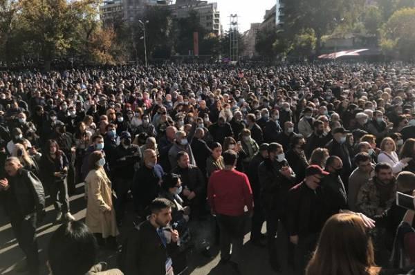 Представитель оппозиции Армении объявил голодовку, требуя отставки Пашиняна