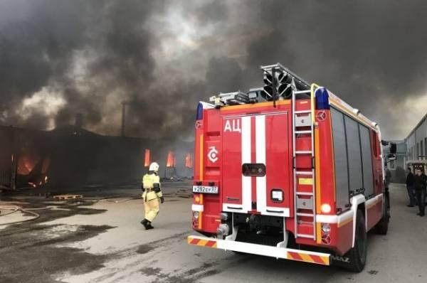 В Нальчике ликвидирован крупный пожар в торговом центре