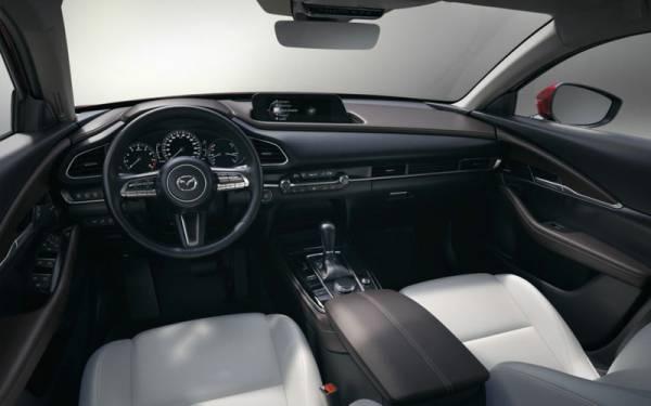 Mazda озвучила цену нового кроссовера для России