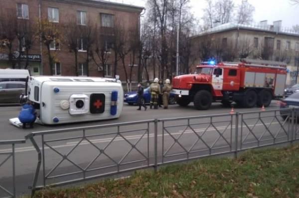 В Петербурге автомобиль генконсульства Литвы сбил пешехода