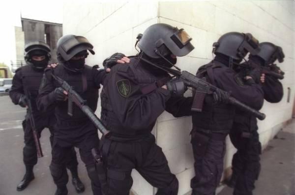 Взявшего в заложники шестерых детей в Колпино арестовали