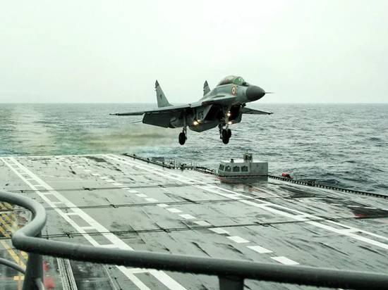 """Крушение МиГ-29 на индийском авианосце: """"Испытывали ужас"""""""