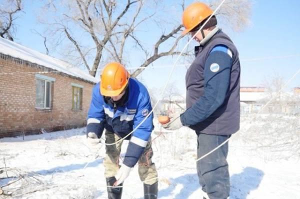 Около 4 тыс. жителей Приморья остаются без света после ледяного шторма