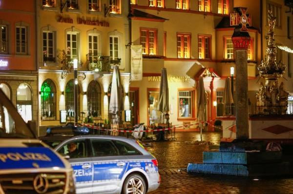 Полиция задержала водителя, наехавшего на пешеходов в Трире