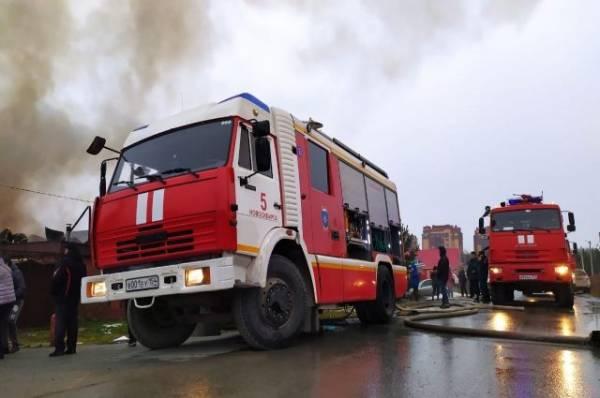 Пожар оставил без света часть домов на Ленинградском проспекте в Москве