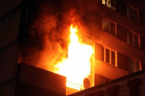 Пожарные начали тушить коллектор на Ленинградском проспекте в Москве