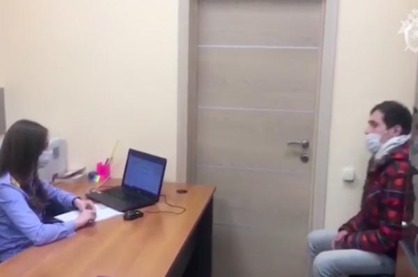 Обнародовано видео допроса блогера, в прямом эфире которого умерла девушка