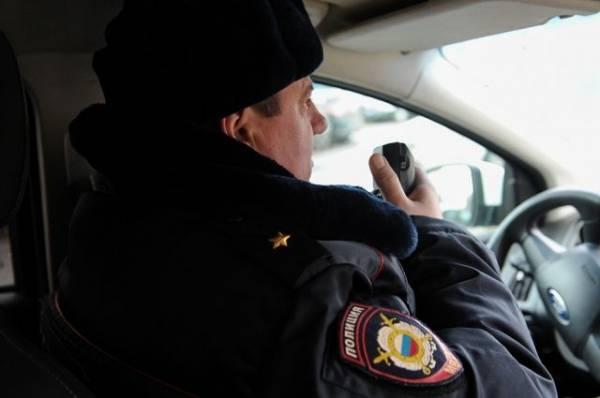 В Москве полицейский ранил девочку