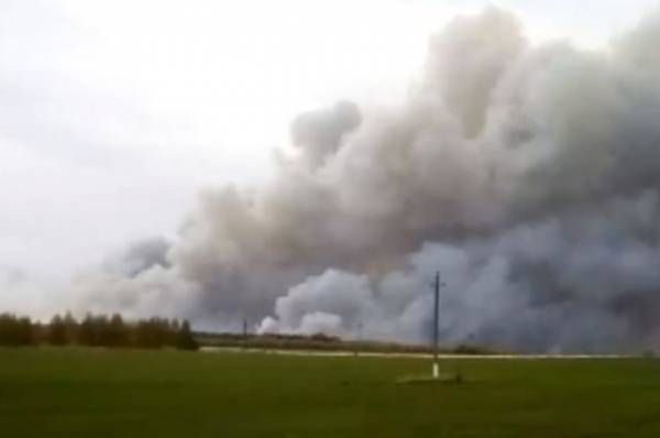 В США при взрыве на нефтехранилище пострадали семь человек
