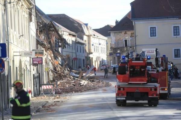 В Хорватии после землетрясения из-под завалов спасены более 30 человек