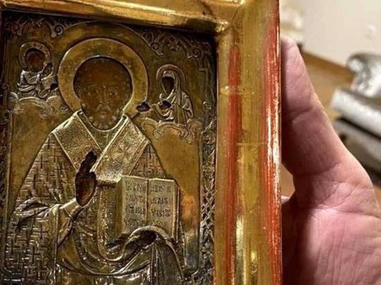 Злоключения подаренной Лаврову 12-миллионной иконы Николая Угодника продолжаются