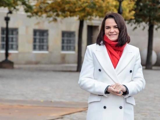 Тихановская работает над проектом новой конституции Беларуси