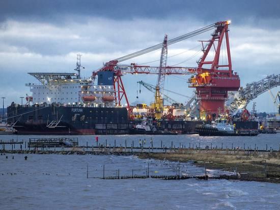 """Строительство """"Северного потока-2"""" отложили на неопределенный срок"""