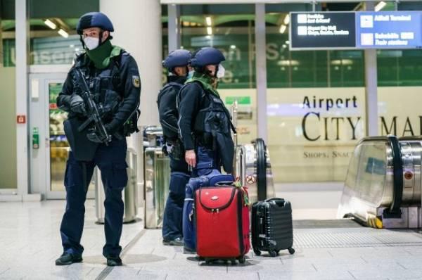 Полиция блокировала терминал аэропорта во Франкфурте из-за угроз мужчины