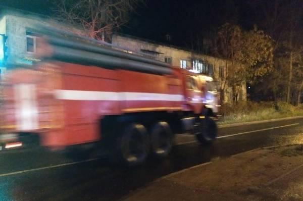 В Ленинградской области произошел крупный пожар в жилом доме
