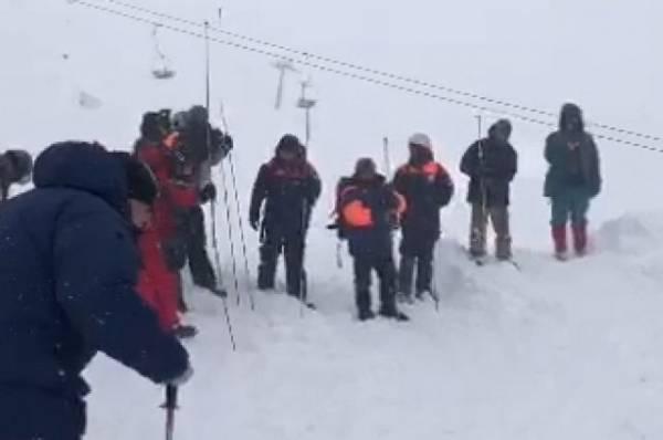 После схода лавины в Домбае спаслись шесть человек
