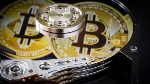 Вроде бы миллионер, а вроде бы и нет: британец безуспешно пытается достать со свалки свой жёсткий диск с биткоинами на $278 млн
