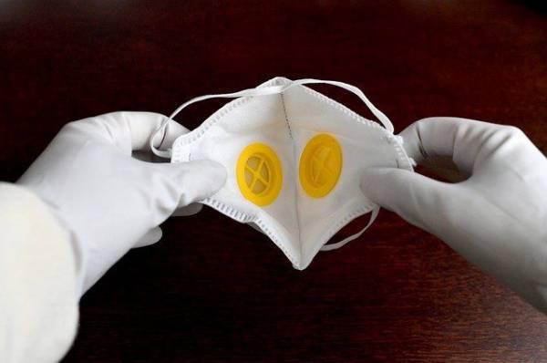 Что надежнее защитит от вируса: респиратор или маска?