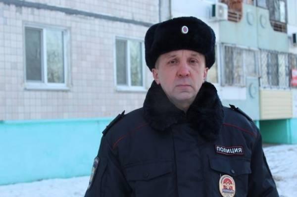 В Хабаровском крае полицейский спас из горящего дома трёх человек и собаку