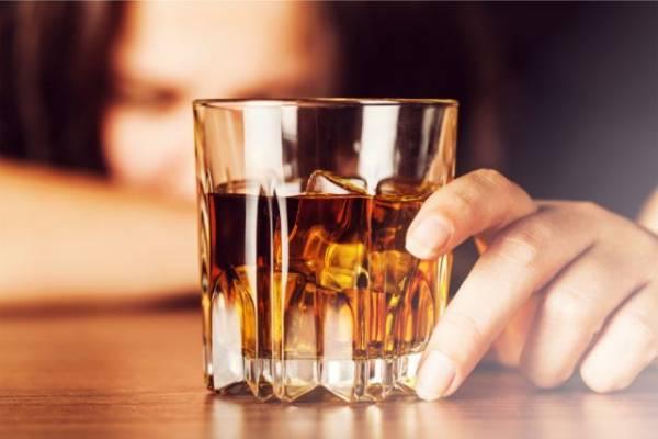 Залить стресс. Как побороть желание выпить после сложного рабочего дня?