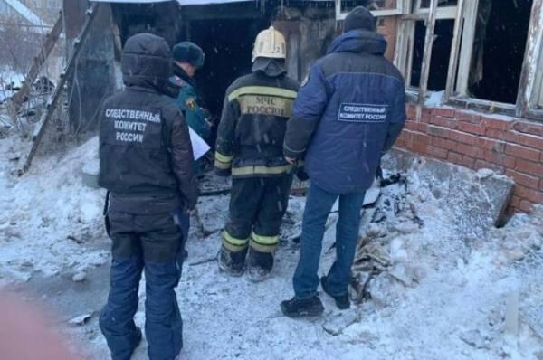 Двое детей погибли при пожаре в частном доме в Южно-Сахалинске