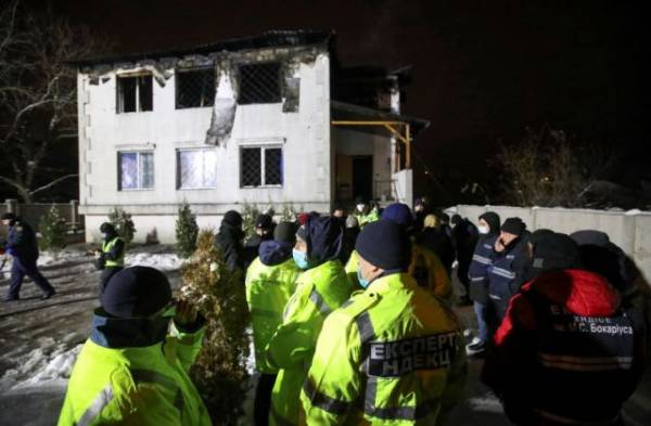 До 16 увеличилось число жертв пожара в доме престарелых в Харькове