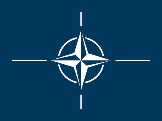 """Генсек НАТО настоятельно призвал союзников поддерживать готовность к """"агрессии"""" России"""