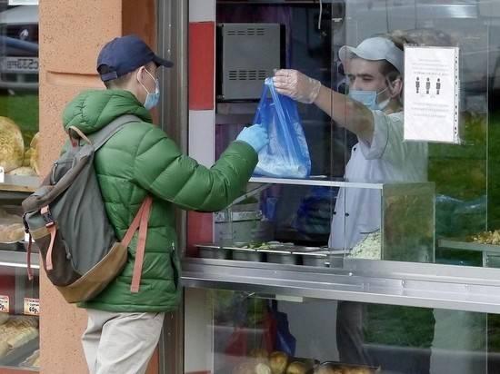 Медведев призвал вакцинировать мигрантов из сферы услуг
