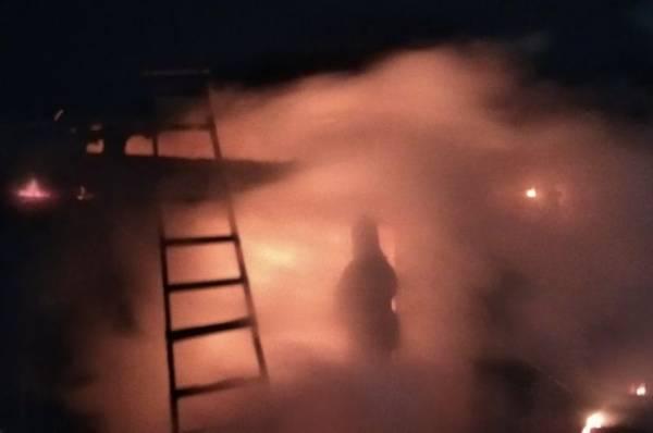 В Якутии три человека погибли при пожаре в жилом доме