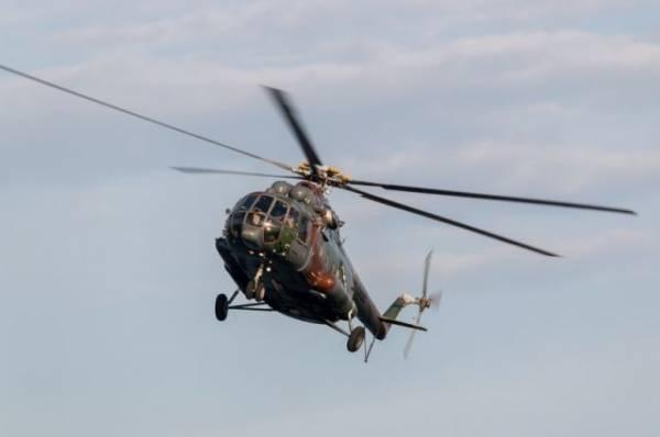 Вертолет забрал пассажиров Ми-8, совершившего вынужденную посадку в тундре