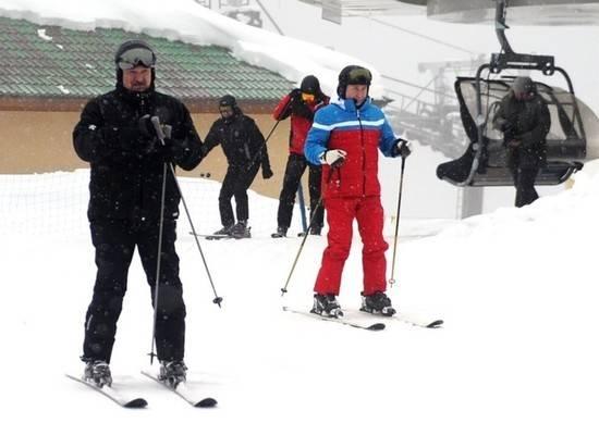 Коля Лукашенко покатался на лыжах с Путиным
