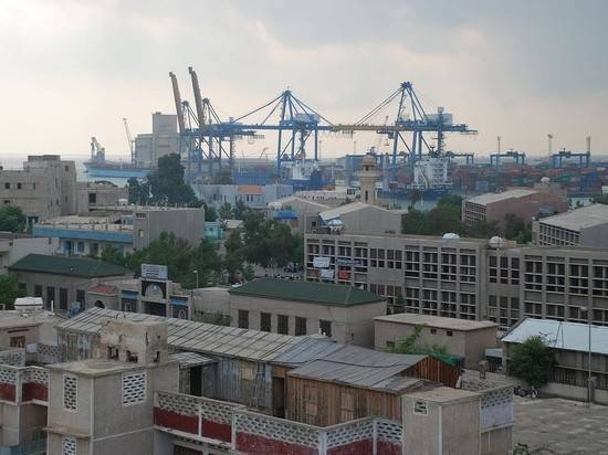 Эсминец ВМС США направился в Порт-Судан после визита российского фрегата