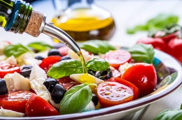 Минимум калорий, максимум пользы. Зачем ежедневно есть листовой салат