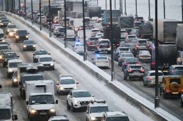 На МКАД произошло несколько ДТП с участием 17 автомобилей