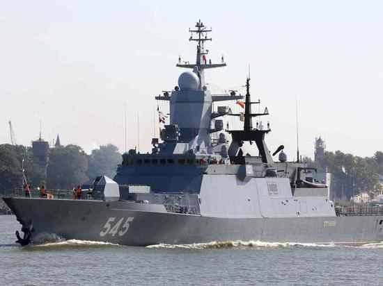 Суэцкий канал прошли стоявшие в очереди корабли ВМФ РФ